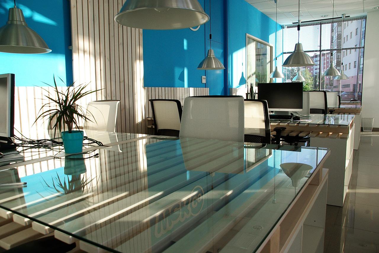 Umowa o sprzątanie pomieszczeń biurowych. Zlecę sprzątanie biura – sprzątanie na umowę zlecenie
